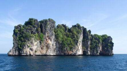 Koh Doc Mai, one of Phuket's most famed dive sites - Local Dive Thailand