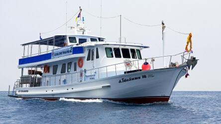 M/V Chok Somporn - Local Dive Thailand diving tour boat