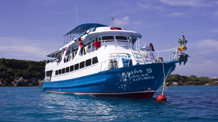 thailand-liveaboard-similan-explorer-at-koh-tachai