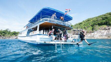 diving-the-west-side-of-racha-noi-phuket