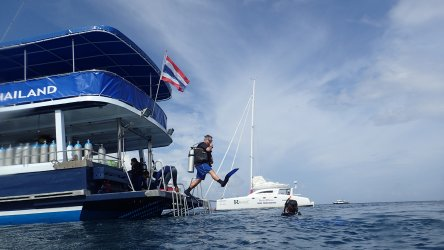 Teaching Scuba Diving In Phuket