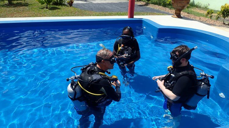 phuket diving students padi open water course
