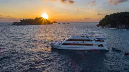 Similan Island Liveaboard MV Sawasdee Fasai