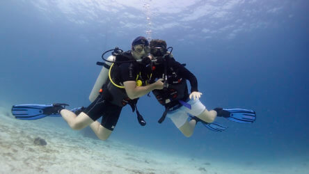 learn to dive as a family in phuket