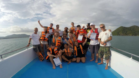 the best scuba diving team in phuket