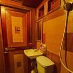 guest toilet on manta queen 6